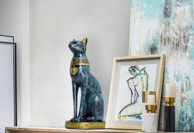 chat noir en statue