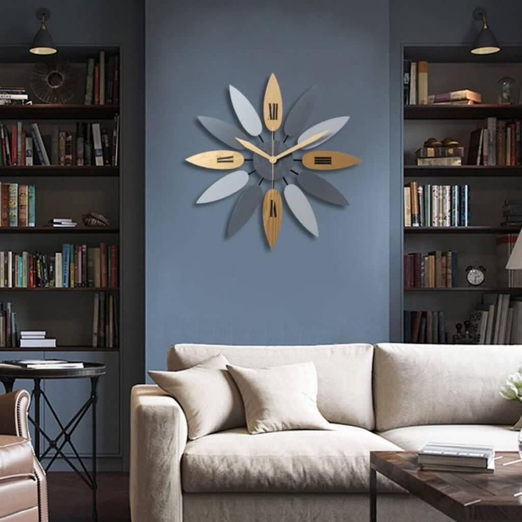 pendule murale design en bois et en forme de fleur